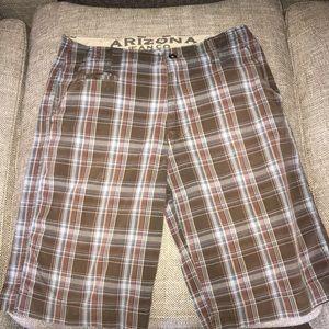 "2/$12 EUC Arizona Jeans Co Men's Shorts Size 33"""